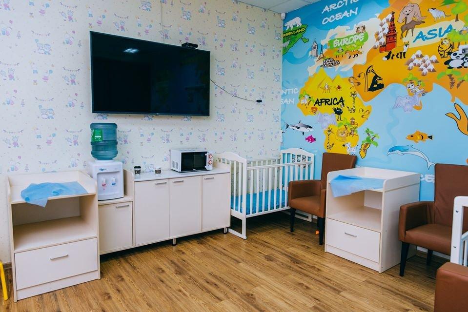 Микроволновка и телевизор: обновленные комнаты матери и ребенка открыли в аэропорту Алматы, фото-1