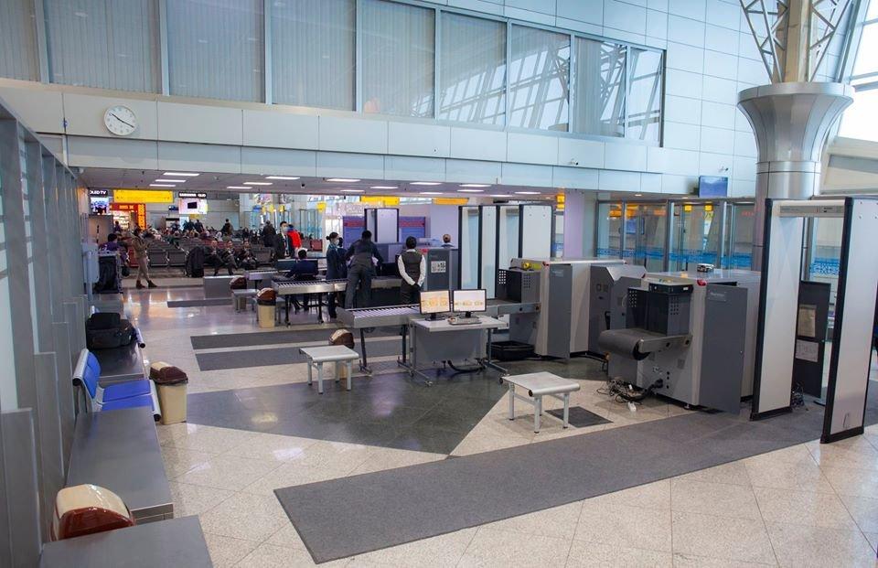 Количество коридоров досмотра увеличили в международном зале аэропорта Алматы, фото-3, Аэропорт Алматы/Facebook