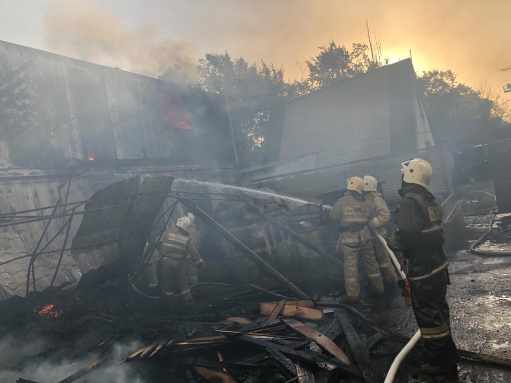 Пожар в мебельном цехе, ДЧС Алматы