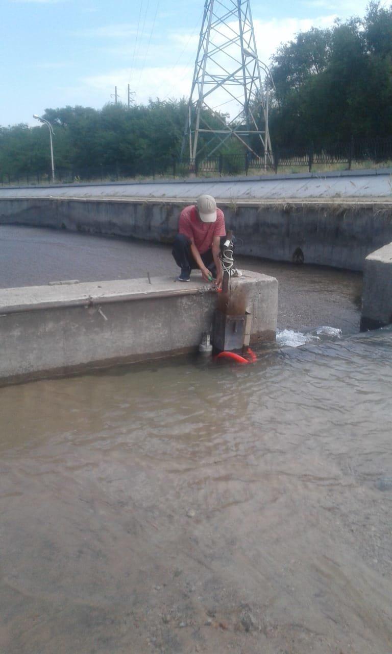В Алматы демонтируют незаконно установленные в реке Большая Алматинка насосы, фото-1