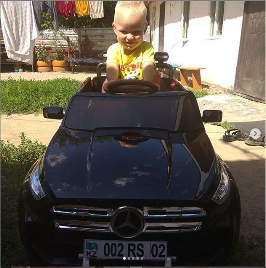 «Жить стало гораздо легче»: более сотни человек помогли отцу-одиночке из Алматы, фото-1, instagram.com\soldatenko0501