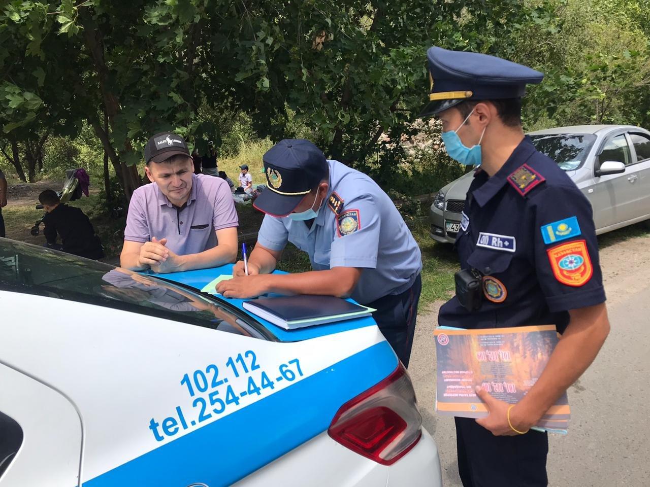15 человек наказали за разжигание костров в природных парках Алматы за прошедшие выходные, фото-1