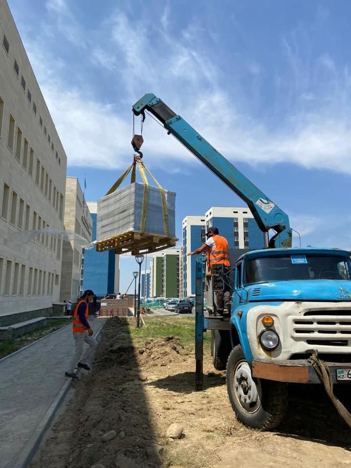 В ходе реконструкции сквера у ЦОН Нарузырбайского района в Алматы посадят 200 деревьев, фото-3