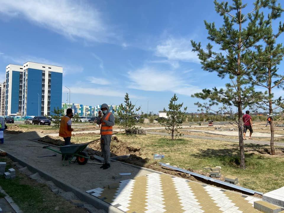 В ходе реконструкции сквера у ЦОН Нарузырбайского района в Алматы посадят 200 деревьев, фото-2