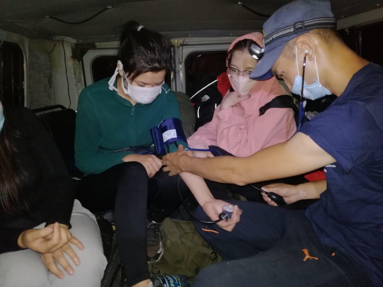 Предположили, что медведь: РОСО спас четверых туристов в горах Алматы, фото-2