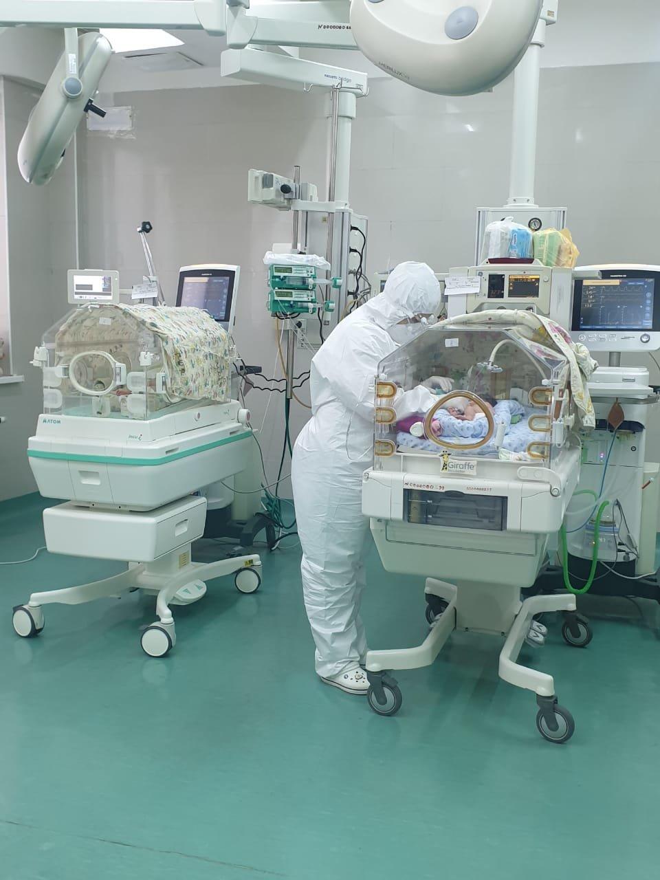 Последнюю пациентку, выздоровевшую от COVID-19, выписали из Центра перинатологии и детской хирургии Алматы, фото-1