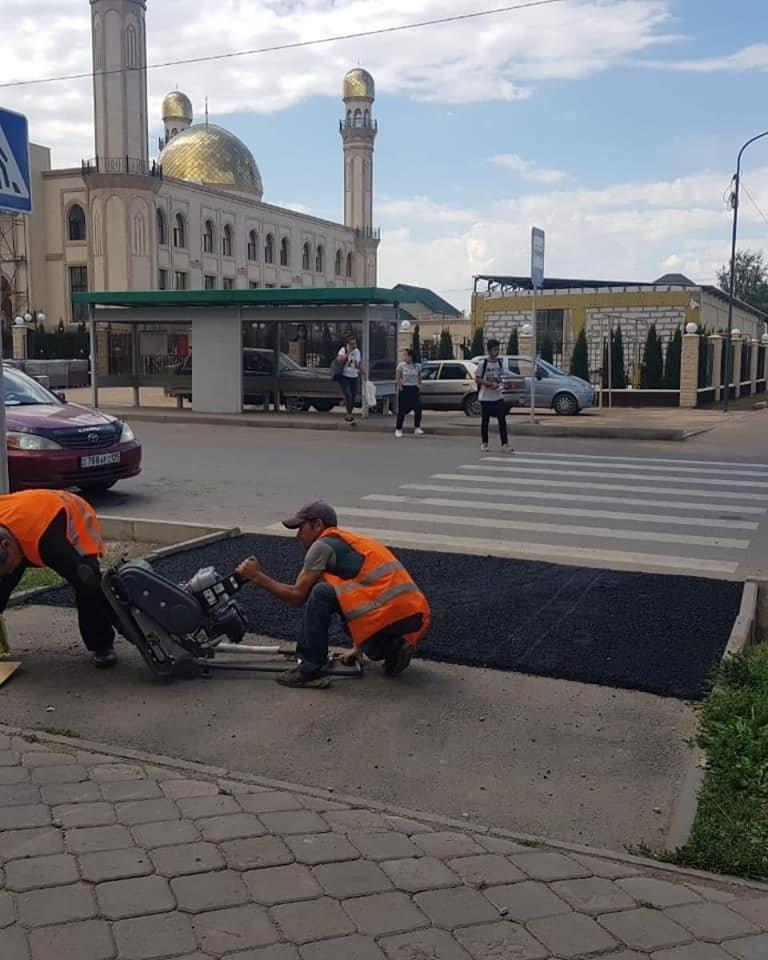 В микрорайоне Жас Канат в Алматы завершают ремонт сквера и строительство футбольного поля, фото-2, Фото акимат Туркибского района