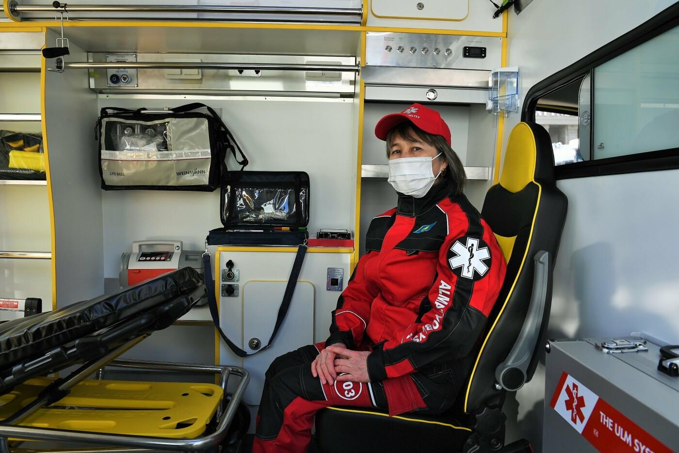 В Алматинской области закупили более 180 новых машин скорой помощи, фото-3