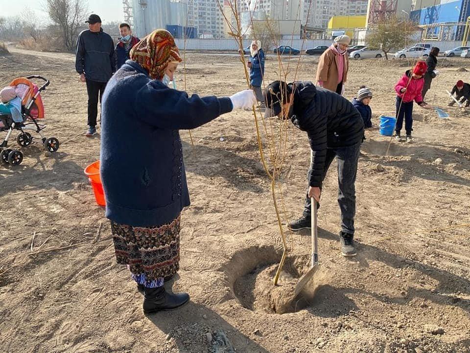 В микрорайоне Жаc-Канат в Алматы заложили новую аллею многодетных семей, фото-3