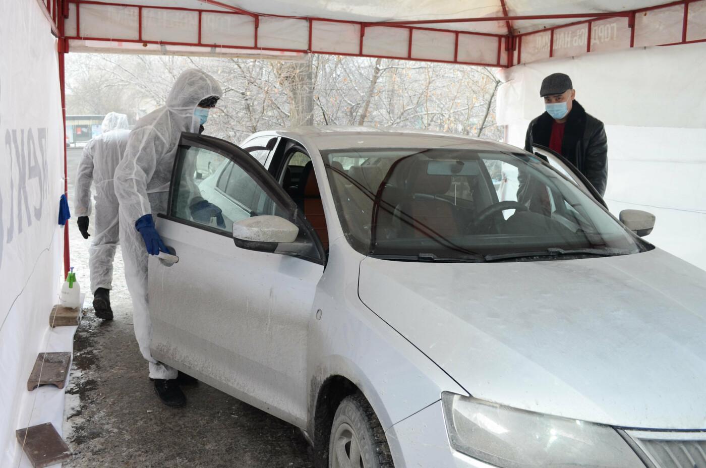 Как дезинфицируют машины, выполняющие заказы сервиса Яндекс.Такси в Алматы, фото-6