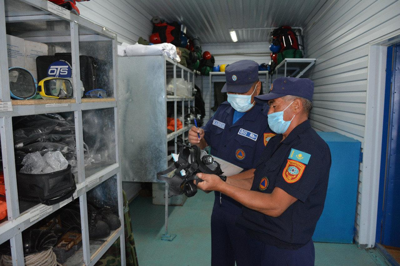 Как работают спасатели на заснеженных дорогах Алматинской области, фото-7