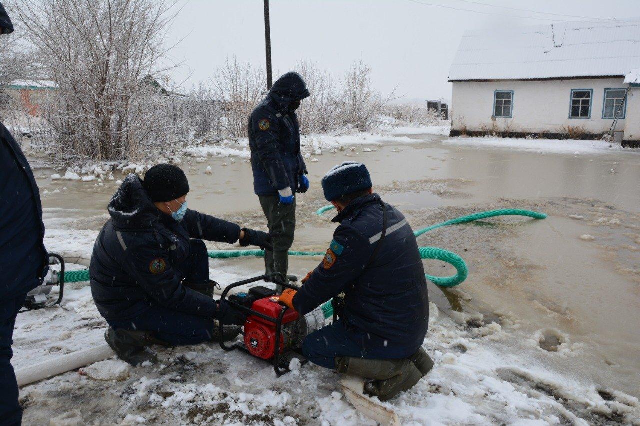 Три посёлка подтопило в Алматинской области из-за обильных осадков