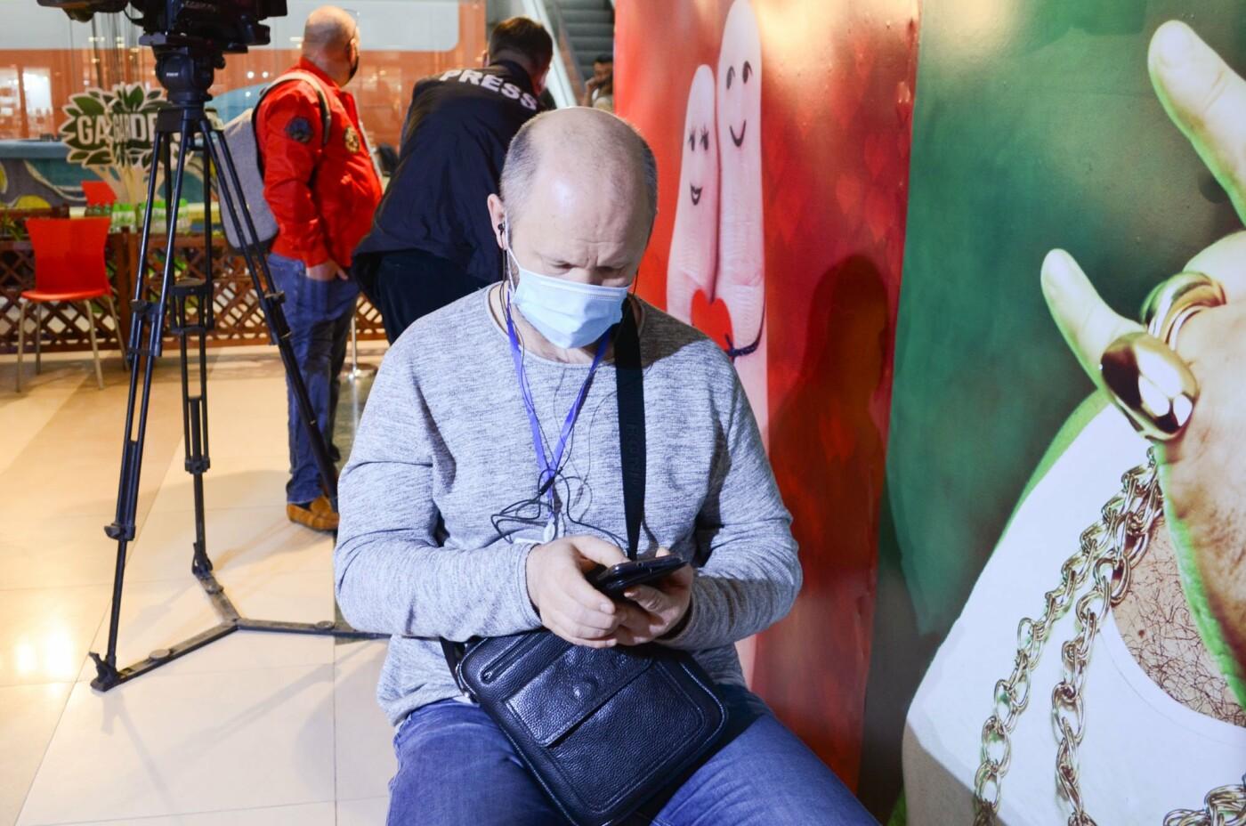 Как в ТРЦ Алматы проходит массовая вакцинация казахстанской вакциной QazVac, фото-13