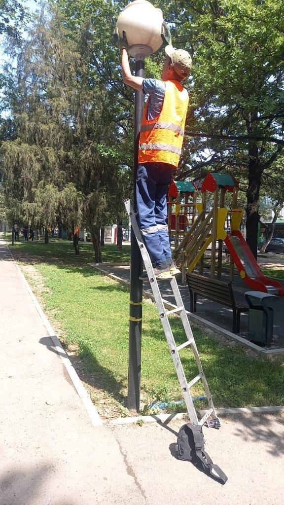 Очистку улиц проводят в Алматы, Акимат Алматы