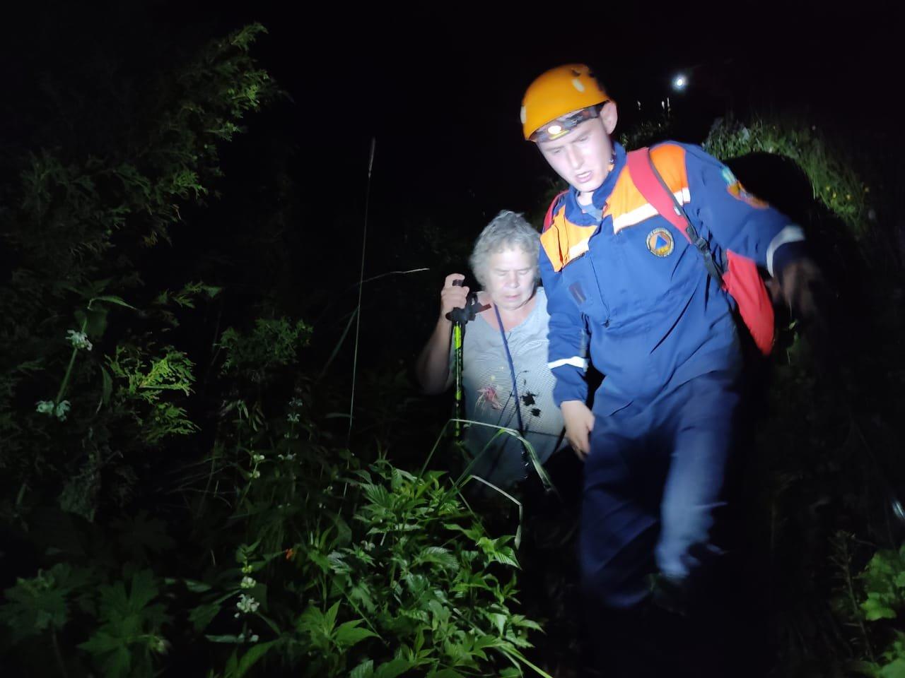 Четверых заблудившихся туристов спасли в горах Алматы, фото-2, РОСО МЧС РК