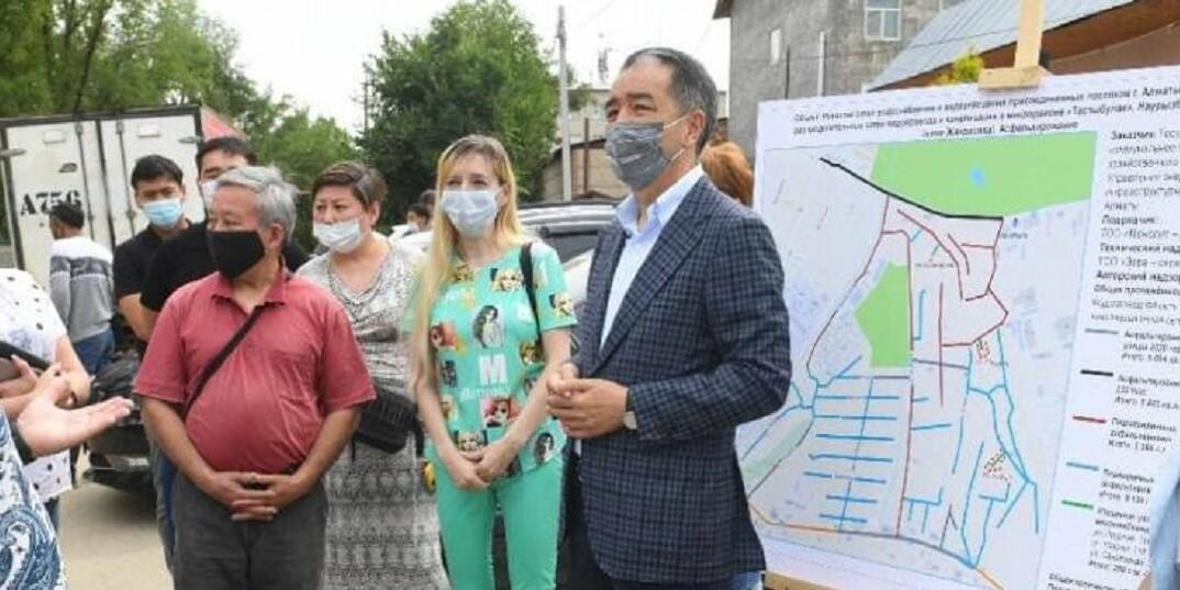 Жители Наурызбайкого района попросили Сагинтаева проверить качество прокладки водопровода