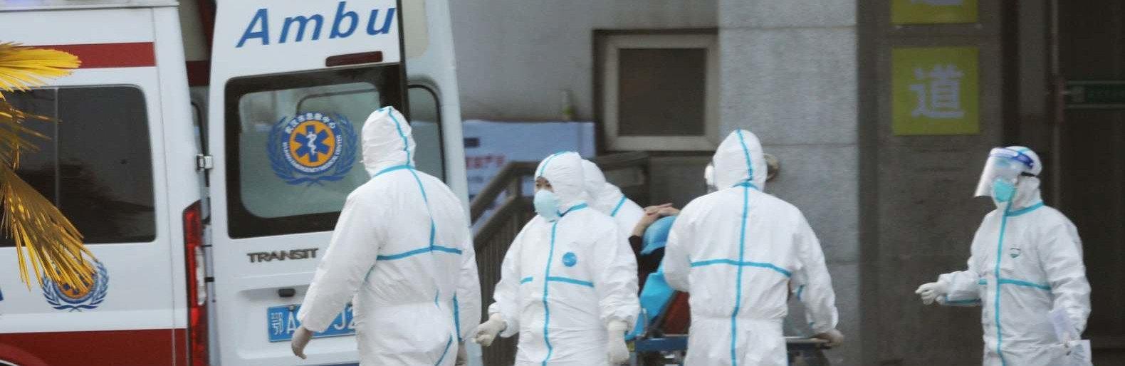 Число жертв коронавируса в Китае выросло до 908 человек